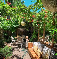 Before + After: Back Garden Sofa — The Tiny Canal Cottage Small Courtyard Gardens, Small Courtyards, Small Backyard Gardens, Back Gardens, Backyard Landscaping, Outdoor Gardens, Small Gardens, Tropical Bedrooms, Small Outdoor Spaces