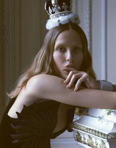 Vogue Japan - Fun To Be The Princess