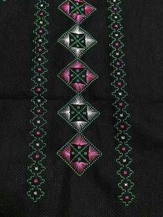This Pin was discovered by Pın Cross Stitch Designs, Cross Stitch Patterns, Swedish Embroidery, Swedish Weaving, Cross Stitch Boards, Floor Art, Hand Embroidery Stitches, Bargello, Blackwork