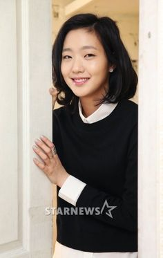 Kim Go-eun (김고은) - Picture @ HanCinema :: The Korean Movie and Drama Database Korean Beauty, Asian Beauty, Kim Go Eun Goblin, Kim Go Eun Style, Asian Woman, Asian Girl, Ji Eun Tak, Jang Hyuk, Gong Yoo