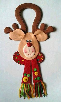 Discover recipes, home ideas, style inspiration and other ideas to try. Felt Christmas Decorations, Christmas Ornament Crafts, Christmas Crafts For Kids, Christmas Items, Felt Ornaments, Christmas Projects, Holiday Crafts, Christmas Holidays, Simple Christmas