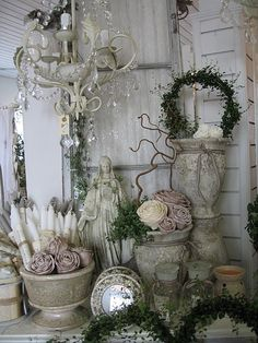 7 Sublime Tips: Shabby Chic Garden Wall rustic shabby chic bedding.Shabby Chic Garden Pretty Pastel how to do shabby chic furniture. Shabby Chic Kranz, Cottage Shabby Chic, Shabby Chic Mode, Shabby Chic Vintage, Style Shabby Chic, Shabby Chic Living Room, Shabby Chic Furniture, Shabby Chic Decor, Vintage Decor