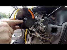 Ford 4 6L 5 4L 3v Engines: VCT Solenoid Replacement Procedure