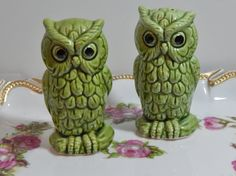 Vintage Green Hoot Owl Salt and Pepper Shakers Marked Japan Retro Home Kitchen Decor Woodland Owls by OffbeatAvenue on Etsy