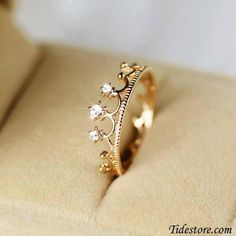 Oh my gosh. If I got a promise ring I would want a crown one. They are so pretty