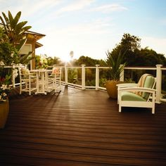 A peaceful view for your personal #paradise. #Trex Transcend is a low-maintenance composite system available in a variety of colors. Deck Balusters, Deck Railing Design, Glass Railing, Deck Design, Trex Composite Decking, Deck Building Plans, Deck Colors, Aluminum Decking, Deck Construction