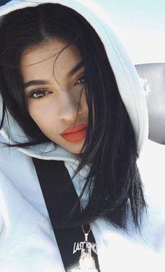 Kylie Jenner Introduces New Lip Kit Colour, Drops The 'K' Brand #kyliejenner #newlipkit #lipkit #kbrand #beauty #cosmetics #elleau