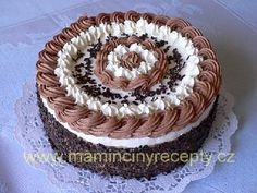 Šlehačkový dort White Wedding Cakes, Wedding Cakes With Flowers, Flower Cakes, Cake Wedding, Gold Wedding, Cake Boss Recipes, Birthday Cakes For Teens, Teen Birthday, Rose Cake