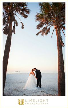 Bride & Groom, Kiss, Beach Wedding, Florida Wedding, Limelight Photography, www.stepintothelimelight.com