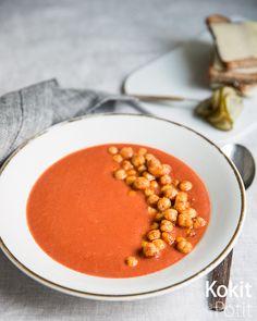 10 minuutin tomaattikeitto paahdetuilla kikherneillä #tomaatti #keitto #kikherne