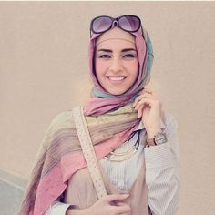 Modest designs, chic styles and bright colors are presenting the Iranian fashion trends! who says' that you can't look chic Modest Fashion, Hijab Fashion, Girl Fashion, Womens Fashion, Fashion Trends, Iranian Women Fashion, Islamic Fashion, Hijab Trends, Hijab Ideas