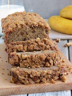 Super Moist Banana Bread With Crunchy Topping   YummyAddiction.com