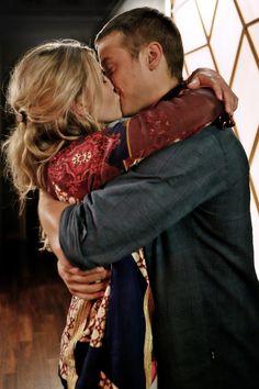 Miranda wears a Tom by Michael Dorman.