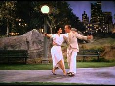 Tous en scène - Fred Astaire & Cyd Charisse (Dancing in the dark)  Lots of competition but this is probably my favorite seduction duet.