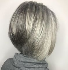 60 Gorgeous Gray Hair Styles - Straight Inverted Gray Bob For Fine Hair - Grey Hair Styles For Women, Medium Hair Styles, Curly Hair Styles, Gray Hair Women, Short Grey Hair, Short Hair With Layers, Gray Hair Highlights, Gray Hair Growing Out, Corte Bob