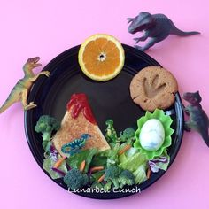 Dinosaur Lunch Fun Food Lunch Sarah Gonzalez @lunarbell_lunch