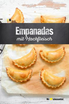 Empanadas mit Hackfleisch No wonder empanadas are so popular in so many countries: the little dumplings with minced meat filling are simply unbelievably delicious! Low Carb Appetizers, Low Carb Desserts, Appetizer Recipes, Dessert Recipes, Appetizer Ideas, Meat Recipes, Mexican Food Recipes, Cooking Recipes, Carne Picada