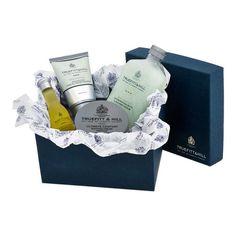 Ultimate Comfort Gift Set Shaving Gift Set, Shaving Oil, Shaving Cream, Shower Scrub, Cream Bowls, Pre Shave, After Shave Balm, The Balm, Presentation