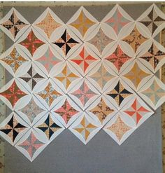 Cupcakes 'n Daisies: Quick Curve Ruler Sew Along Update - pinwheels inside circle quilt, oh my! what an idea!