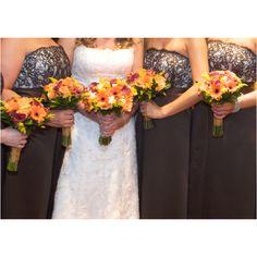 Bride & bridesmaid's flowers!