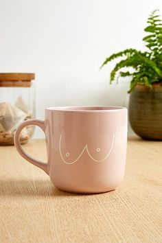 Discover Urban Outfitters' kitchen and bar collection with our collection of novelty mugs, wine glasses, tumblers and a variety of water bottles. Urban Outfitters, Tassen Design, Ceramics Pottery Mugs, Tee Set, Studio Apartment Decorating, Painted Mugs, Novelty Mugs, Mug Designs, Fun Prints