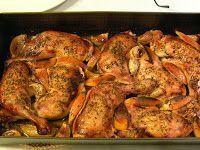 Moje popisowe danie dla gości. Naprawdę wyśmienite. I nie, nie zapomniałam o soli. Składniki 2 kg udek z kurczaka 1 główka czosnku ... Polish Recipes, Yum Yum Chicken, Cinnamon Rolls, Tandoori Chicken, Salad Recipes, Chicken Recipes, Food And Drink, Tasty, Snacks