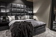 All art that is black bed room decor, luxury black and White Bedroom cozy Glamour Bed Room decor Grey Bedroom Design, Modern Bedroom Decor, Bedroom Black, Bedroom Furniture, Bedroom Designs, Wood Bedroom, Contemporary Bedroom, Bedroom Ideas For Men Bachelor Pads, Luxurious Bedrooms