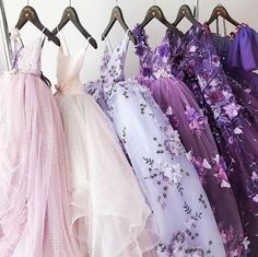 Yes, the topic is prom dresses! As you know that, prom time is approaching. Elegant Dresses, Pretty Dresses, Beautiful Dresses, Evening Dresses, Prom Dresses, Formal Dresses, Wedding Dresses, Long Dresses, Dream Dress