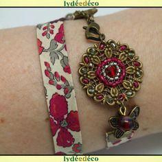 Bracelet retro passion fleur liberty rouge beige et kaki perles et laiton bronze