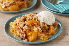 Try a delicious Peach Cobbler Dump Cake recipe from Del Monte. Quick, easy instructions make this Peach Cobbler Dump Cake recipe a breeze. Köstliche Desserts, Delicious Desserts, Dessert Recipes, Yummy Food, Snacks Recipes, Peach Cobbler Dump Cake, Dump Cake Recipes, Dump Cakes, Vegetarian Cake