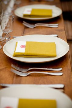 Love this menu pocket napkin folding