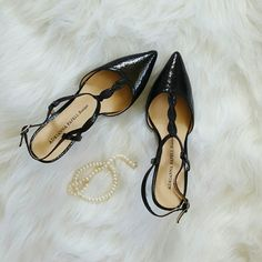 Adrianna Papell Boutique Heels Brand new heels, have only been tried on a couple of times! Beautiful shoes. Adrianna Papell Shoes Heels