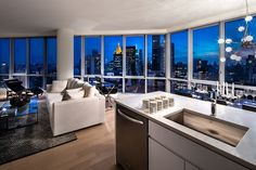 PRISTINE 1 BEDROOM CITY  WITH CITY WIDE VIEWS, CONDO FINISHES AMENITIES GALORE
