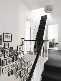 Appartement scandinave à Malmö - escalier noir + photos