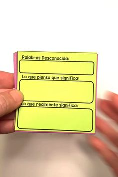 I created these reading response templates in English for teachers to give their students to use during the independent reading portion of reader's workshop. I had quite a few requests to provide them in Spanish and I'm so excited that they have finally been translated. You can get 30 templates to help your students apply all the reading strategies and skills you teach your students during reader's workshop. Teaching French, Teaching Spanish, Teaching English, Grammar Activities, Independent Reading, Spanish Language Learning, 4th Grade Reading, Reading Response, Readers Workshop