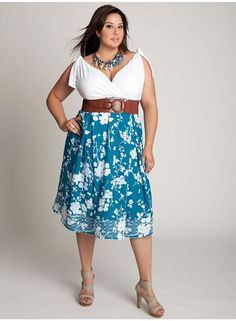 Fashionable Clothing Tips for Short, Fat Women