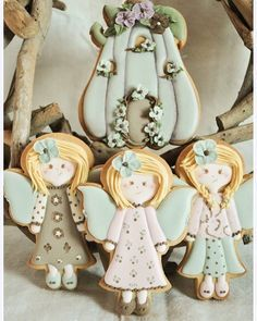 """LA ZUCCA FATATA"" #ginascakeandicingcookie #ginascake #icingcookies #royalicingcookies #cookiedecorating #royalicing #cookiecutters #galletasdecoradas #biscottidecorati #dekoekenbakkers #3dcookiecutters #fairies #pumpkins #zucca #fate"