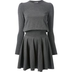 ALEXANDER MCQUEEN pleated sweater dress (124.460 RUB) ❤ liked on Polyvore featuring dresses, vestidos, alexander mcqueen, vestiti, grey dress, round neck dress, gray sweater dress and pleated dress