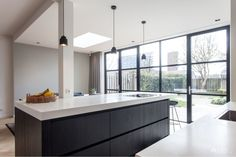 6 x modern extension homes: Inspiration and photos Kitchen Inspirations, Trendy Kitchen Tile, Kitchen, Diy Kitchen Backsplash, Kitchen Design, Kitchen Island Design, Kitchen Bar, Kitchen Remodel, Kitchen Layout