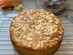 Baked cake on a Cake Rack Almond Tart Recipe, Chocolate Drizzle, Ground Almonds, Almond Cakes, Tart Recipes, No Bake Cake, Apple Pie, Baking, Desserts
