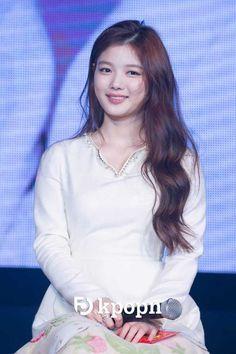 """Post with 923 views. Kim Yoo Jung Fan Meeting """"First Memory"""" in Taiwan Dong Yi, Kim Yoo Jung, Child Actresses, Park Shin Hye, Cute Beauty, Korean Celebrities, Beautiful Asian Women, Asian Woman, Trending Memes"""