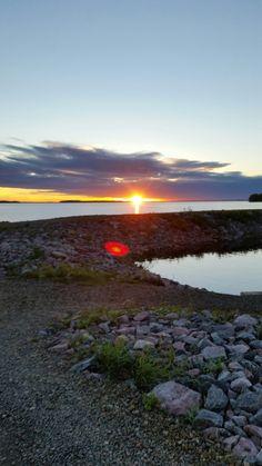 Auringonlasku lähellä kotia