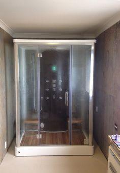 Cabine de Banho Oslo instalada em reforma de banheiro em apartamento (www.uniquespa.com.br)