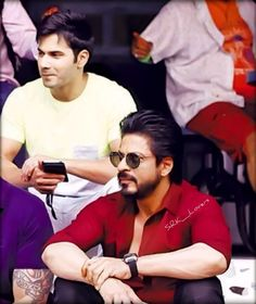 SRK & Varun on the sets of #DilWale !!  Can't wait any longer for DilWale please December come fast.... by srk_lovers