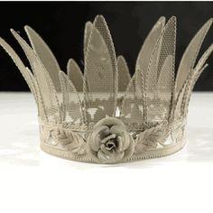 "Bisque 6"" Metal Mesh Crown"