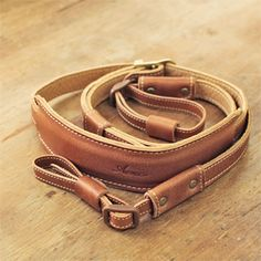 Leather Camera Strap by Acru. 6,930円