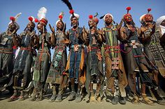 Pic: Copyright Timothy Allen  http://www.humanplanet.com  Gerewol Where: Northwest (edge of Sahara) of Niger When: second half of September The Gerewol Festival is annual festival, usually held in September among the Wodaabe people of Niger. Young men dressed in their best and most beautiful clothings perform and dance and sing. The main reason actually is quite simple: attentions of marriageable young women.