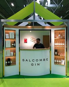@salcombegin had the BEST stand at the Good Food Show and it was delicious. They paired it with little slices of grapefruit and it didn't have the usual tang of gin which was a really nice surprise. If you're a gin lover this is the one for you!     #blogger #lblogger #brumbloggers #ukbloggers  #bbcgoodfoodshow #goodfoodshow #gin #ginlover #birminghamnec #rewiredPR #gifted #giftedtickets
