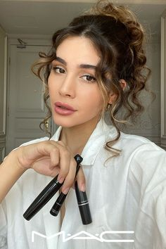 Entdecke die Superstars von MAC Beauty Make Up, Hair Beauty, Perfect Nose, Eye Makeup, Hair Makeup, Female Reference, Makeup Inspo, Hair Inspo, Bangs