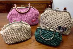(1) FETTUCCIANDO LIBERAMENTE HANDMADE Il primo gruppo dove non esistono regole Crochet Tote, Crochet Handbags, Knit Or Crochet, Crochet Dolls, Crochet Stitches, Knitted Bags, Handmade Bags, Straw Bag, Purses And Bags